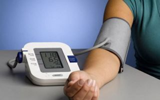 Как измерять давление правильно с помощью автоматического тонометра