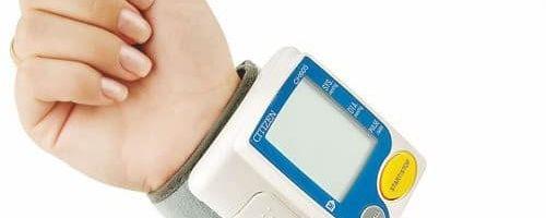 Как правильно измерять давление на запястье?