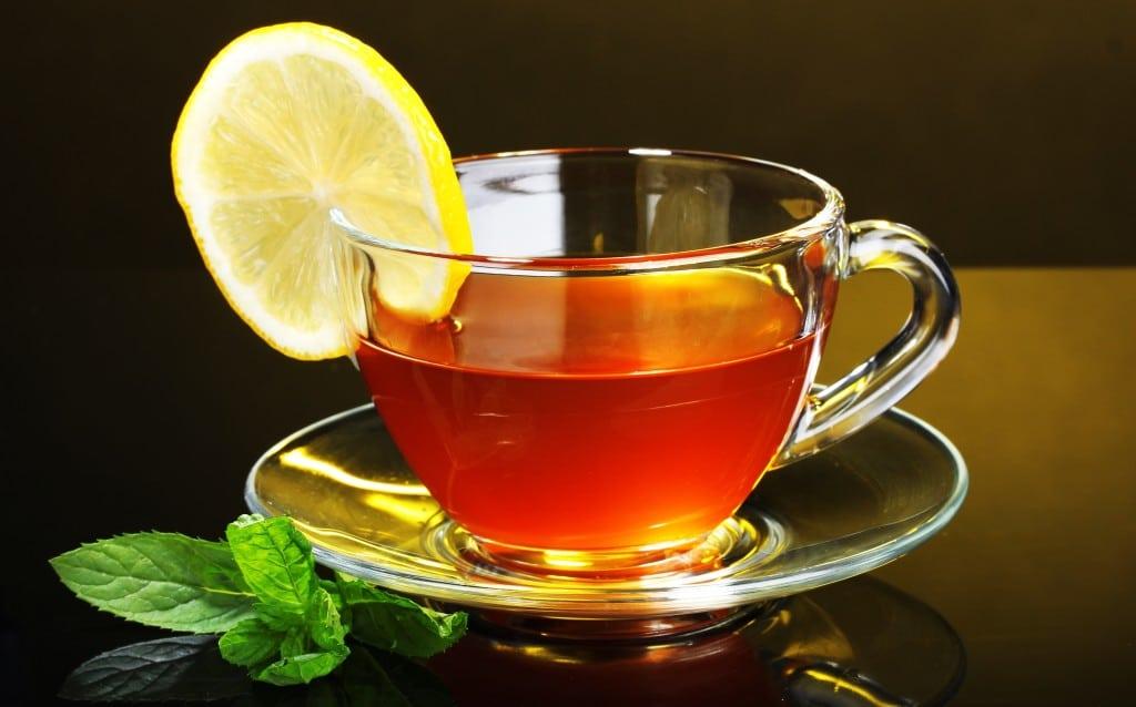 Черный чай повышает или понижает давление или зеленый