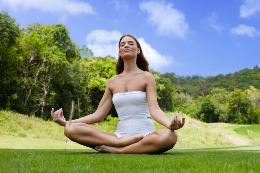 Йога при гипертонии: дыхательные упражнения при повышенном АД