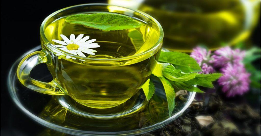 горячий чай при низком давлении