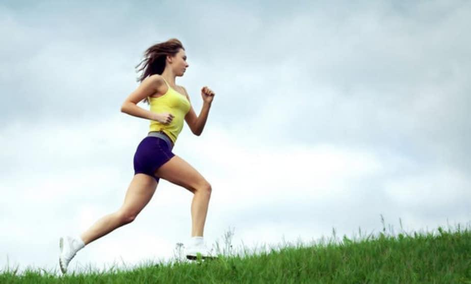 Бег при гипертонии: можно ли бегать при повышенном давлении?