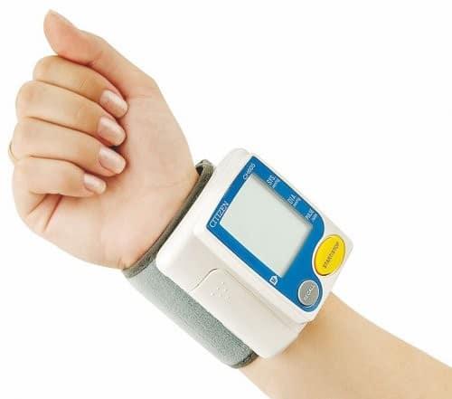 Как правильно измерять пульс на руке? Диагностика по пульсу -